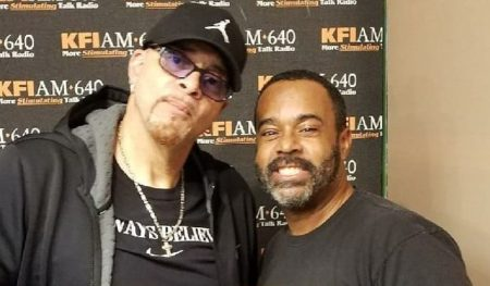 <em>The Mo&#8217;Kelly Show</em> &#8211; Comedian Sinbad in Studio Ahead of Nov. 5 Performance (AUDIO)