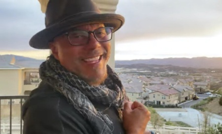 Howard Hewett – 'That's Christmas' Music Video (WATCH) + Extended Interview (LISTEN)